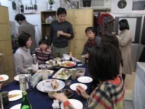 東京は白金にある白金陶芸教室。最寄り駅は広尾、恵比寿、白金高輪、白金台、徒歩約10分。目黒駅、渋谷駅からもバスが出ております。1日体験のほかタイル体験や親子体験やウエディング体験があります。初心者の方にも丁寧な指導を心がけております。外国人の方も多くいらしていて英語での授業もできます。